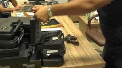 Tutuklanan FET�'c� savc�n�n silah merak�