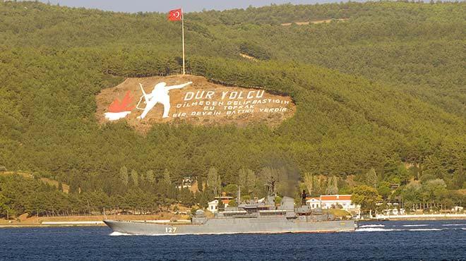 Rus askeri gemisi �anakkale Bo�az�'ndan ge�ti