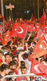G��l� bir T�rkiye i�in el ele!
