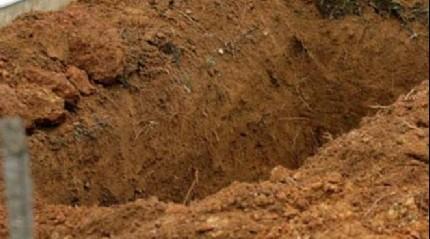 Darbecilerden biri Vatan Hainleri Mezarl���'na g�m�ld�