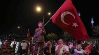 T�rkiye demokrasi i�in  tek v�cut oldu