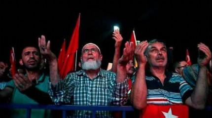 T�rkiye demokrasi i�in sokaklarda
