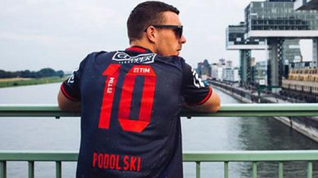 Podolski+Flamengo+formas%C4%B1+giydi