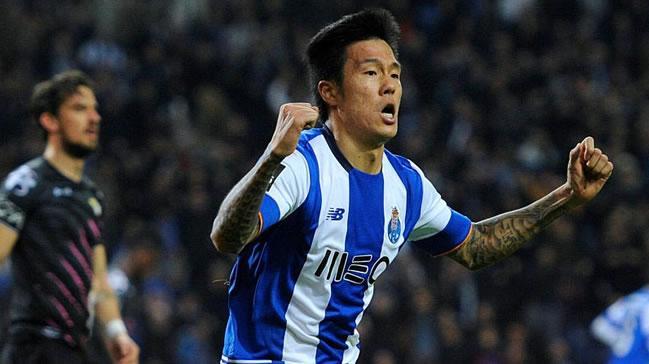 Trabzonspor Hyun Jun Suk'u KAP'a bildirdi