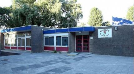 Hollanda'da aileler FET� okullar�ndan �ocuklar�n� al�yor