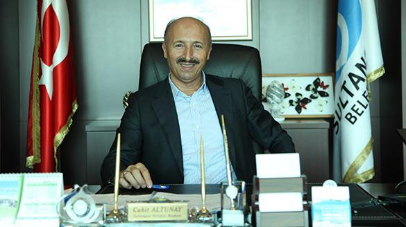 'En iyi belediye başkanı, halkını en memnun edendir'