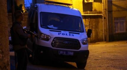 Adana'da ter�r operasyonu: 14 g�zalt�