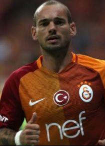 Wesley Sneijder devre aras� ayr�l�yor