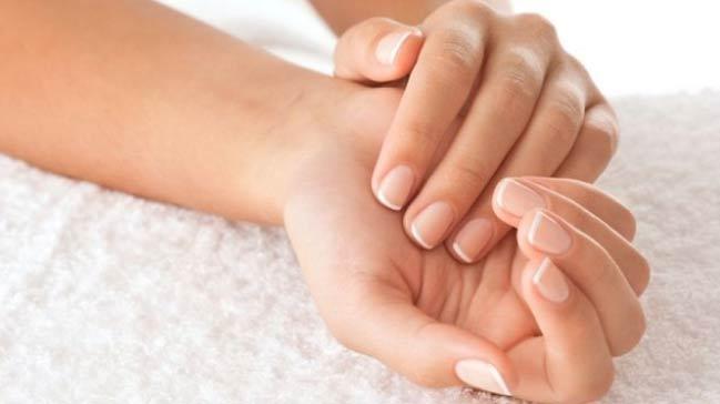 Manikürsüz bakımlı ellere nasıl sahip olunur?