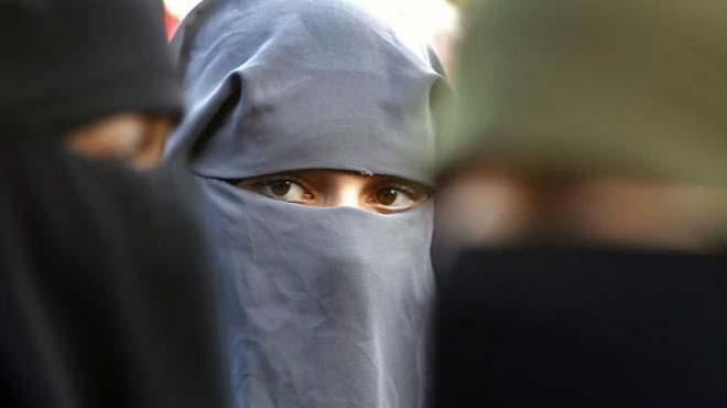 Fas%E2%80%99ta+burka+%C3%BCretimi+ve+sat%C4%B1%C5%9F%C4%B1+yasakland%C4%B1
