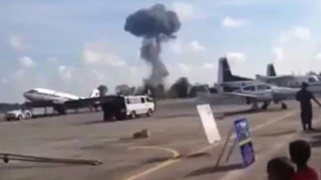 Tayland'da gösteri uçağı yere çakıldı ile ilgili görsel sonucu