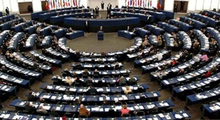 Avrupa Parlamentosu'nun yeni başkanı sağ bloğun adayı İtalyan Tajani oldu