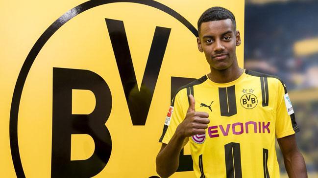 Borussia Dortmund'a bir genç yıldız daha!