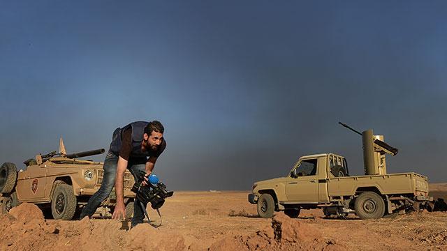 En korkak kameraman savaşta en uzun yaşayandır