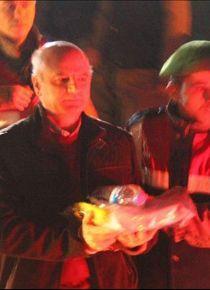 Eski tuğgeneral darbe gecesi birliğe eşini protesto için gelmiş