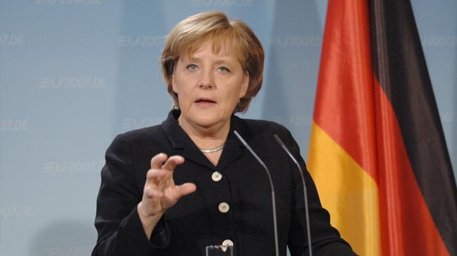 Almanya+ter%C3%B6r+destek%C3%A7isi+eylemlere+kar%C5%9F%C4%B1+k%C3%B6r%21;