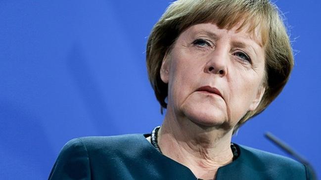 Merkel%E2%80%99in+zoruna+gitmi%C5%9F%21;