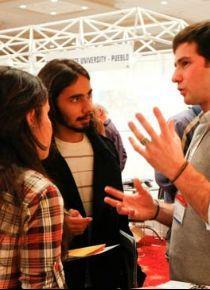 'Yurt dışında eğitim alan gençler daha çabuk iş buluyor'