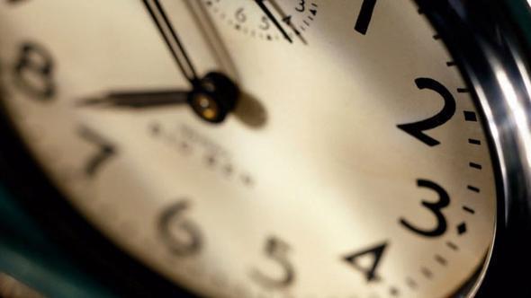 Türkiye saat kaç son dakika yaz saati saat ileri alındı mı?