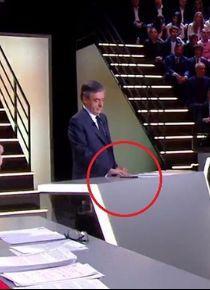 Fransız cumhurbaşkanı adayından canlı yayında kopya