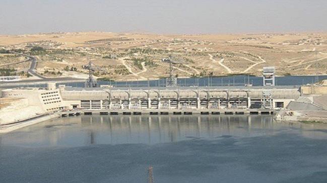 Tabka Barajı'nın kontrolü terör örgütü PYD'ye geçti
