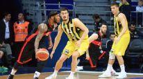 Fenerbahçe 24 sayı geriden gelip kazandı!