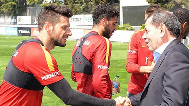 Igor Tudor derbide Podolski ve Sneijder'i 11'e yazacak