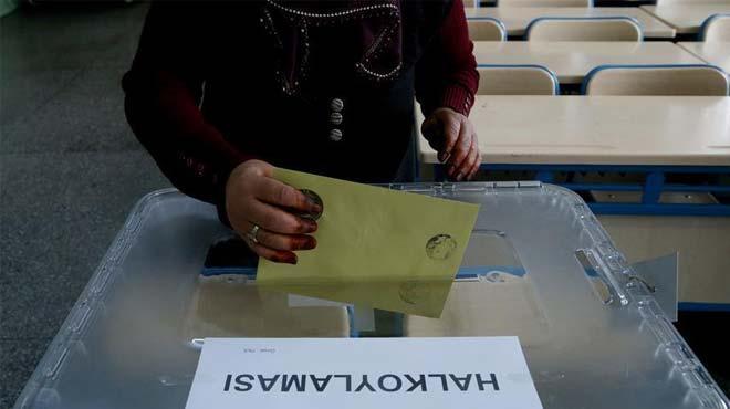 Referandum+i%C3%A7in+do%C4%9Fu+illerinde+say%C4%B1m+i%C5%9Flemleri+ba%C5%9Fland%C4%B1