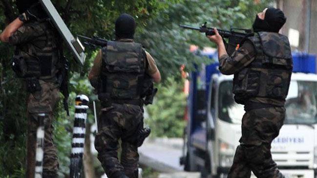 İzmir'de izinsiz gösteri: 19 gözaltı