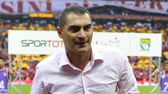 Eski+Galatasarayl%C4%B1+Mondragon+silahl%C4%B1+sald%C4%B1r%C4%B1ya+u%C4%9Frad%C4%B1