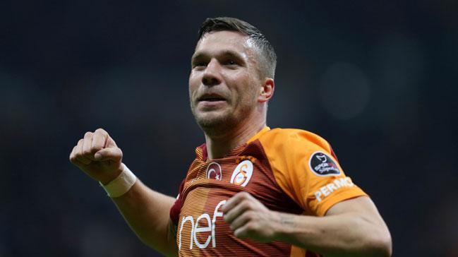 Podolski+Galatasaray%E2%80%99a+veda+etmeden+Fenerbah%C3%A7e%E2%80%99ye+gol+atmak+istiyor