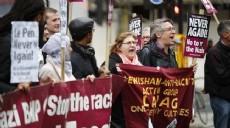 Londra'da 'Le Pen bir daha asla' protestosu