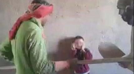 Küçük çocuğa işkence edenler yakalandı