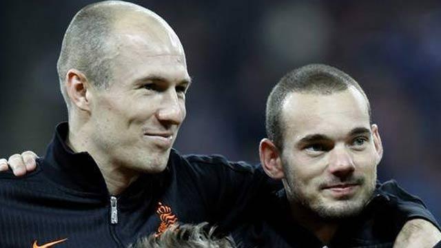 Sneijder ve Robben milli takımda Advocaat'ı istemiyor