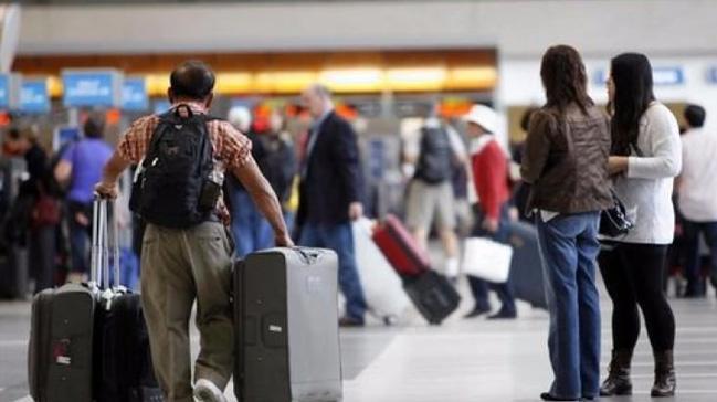 Almanya'dan İstanbul'a gelmek isteyen yolcunun valizinden 1 milyon Euro çıktı