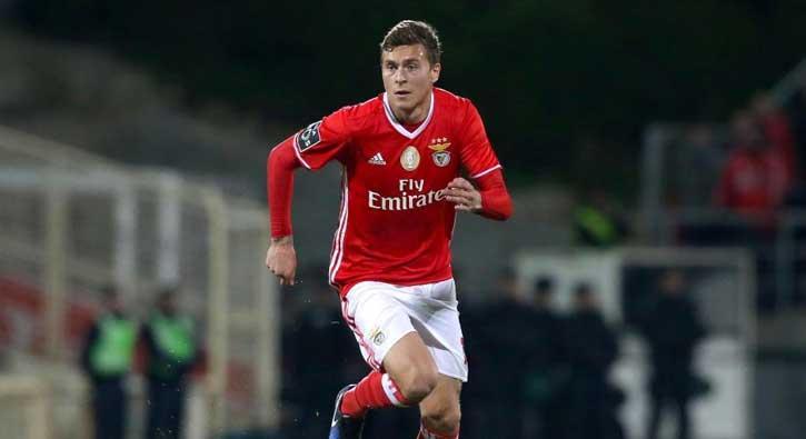 Manchester United, Lindelöf için 45 milyon euro teklif etti!