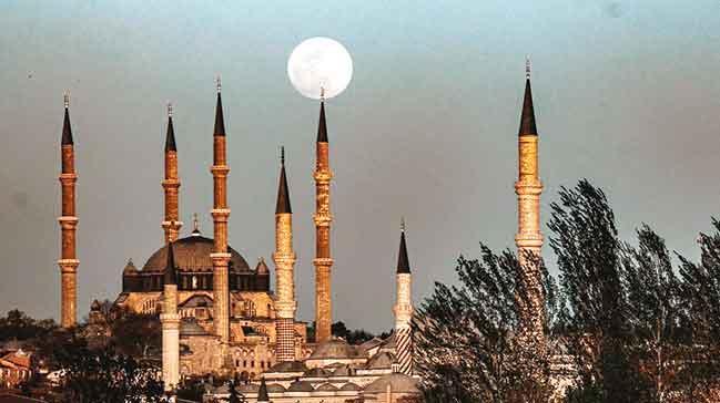 Ýstanbul'dan Konya'ya maneviyat rotasý