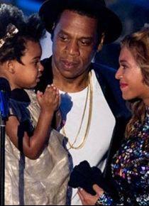 Beyonce ikizlerini doğurdu