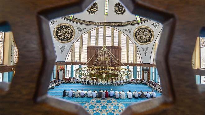 Bu cami üç mimariyi buluşturuyor