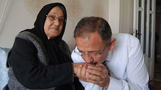Bakan Özhaseki'nin annesi vefat etti