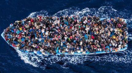 Libya açıklarında 712 mülteci kurtarıldı