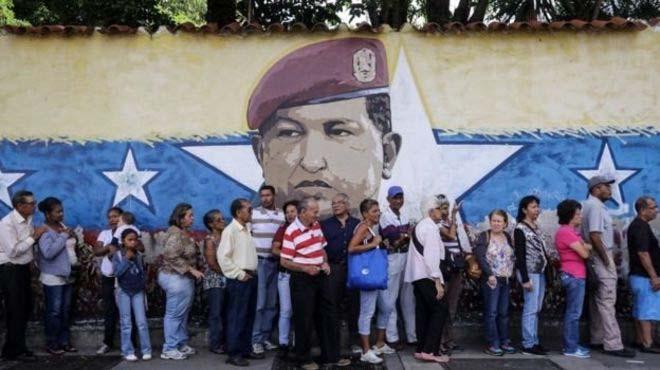 Venezuela'da sembolik referandum düzenlendi