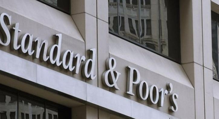 S&P Yunanistan'ın görünümünü pozitife çevirdi