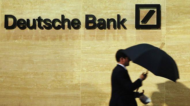 Deutsche Bank İngiltere'de bulunan 350 milyar dolarını Almanya'ya taşıyacak