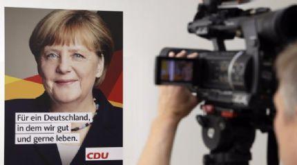 Merkel, Erdoğan ve Trump'ı taklit etti