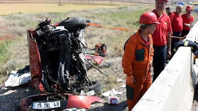 Kırıkkale'de iki otomobil çarpıştı: 2 ölü, 7 yaralı