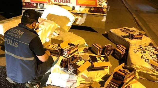 Aksaray'da TIR'da 7 bin 900 paket kaçak sigara ele geçirildi