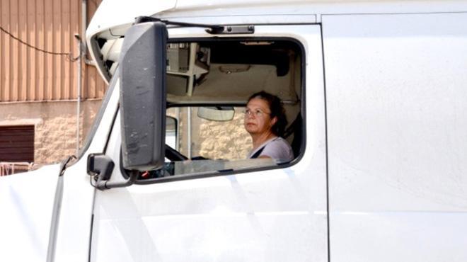 ABD'de TIR şoförlüğü yapan Adanalı Ayşe, görenleri hayrete düşürüyor
