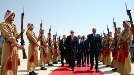 Cumhurbaşkanı Erdoğan Ürdün'de resmi törenle karşılandı