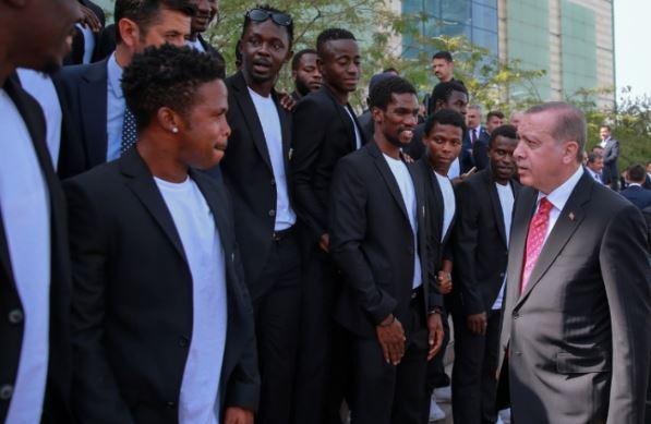 Afrika Dostluk Spor Erdoğan'ın ilgi odağı oldu